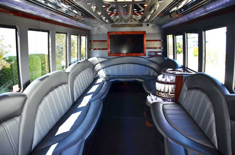 Why You Should Try a Girls Only Limo Ride